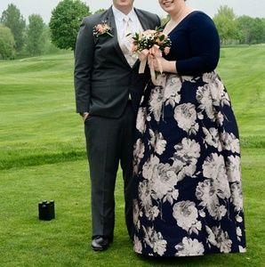 Dresses & Skirts - Plus Size Prom Dress